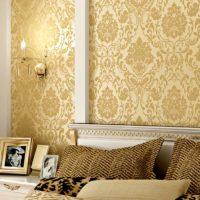 Zlatne tapete u klasičnom stilu