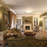 Unutrašnjost dnevne sobe privatne kuće u klasičnom stilu