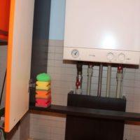 Coffret pour une chaudière à gaz à double circuit