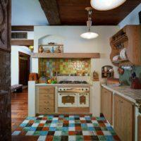 Mosaïque en céramique dans la conception de la cuisine