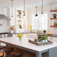 Intérieur de cuisine rustique blanc