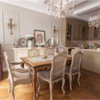 L'intérieur de la cuisine d'une maison privée dans un style classique