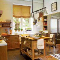 Style rustique dans la conception de la cuisine d'une maison rurale
