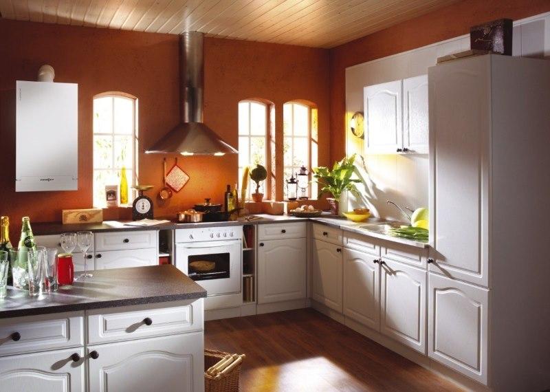 L'attribution d'une chaudière à gaz à l'intérieur de la cuisine