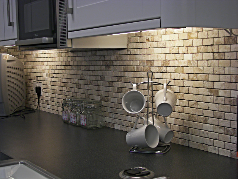 Imitation brick kitchen apron