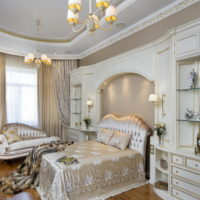 Guļamistaba ar klasiskiem elementiem vācu mājā