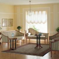 Vācu stila viesistabas dizains ar vintage mēbelēm