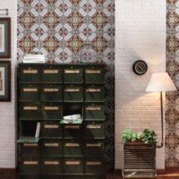 Комбинация от ярки принтове тапети и бели тухлени стени