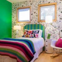 Зелена стена в спалнята на частна къща