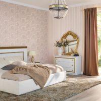 Спалня с плъзгащи се панорамни прозорци