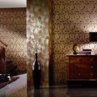 Тъмен интериор на стаята в ориенталски стил.