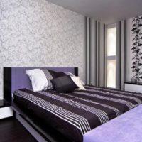 Раирано легло в модерна спалня