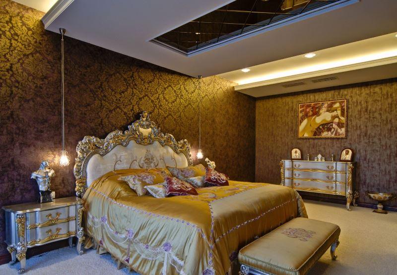Klasična ukrašena unutrašnjost spavaće sobe