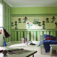 The combination of green wallpaper with a different pattern