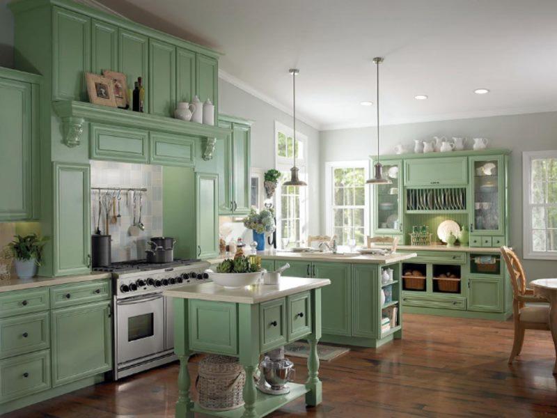 Intérieur de cuisine de style classique vert