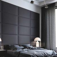 Sienas dekors virs gultas galvas ar mīkstiem paneļiem
