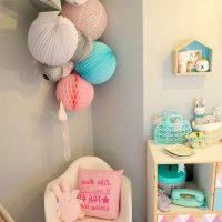 DIY sienas dekors ar papīra bumbiņām