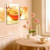 Modulārs attēls uz virtuves sienas