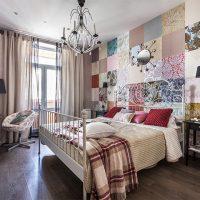 Décoration murale de chambre avec papier peint patchwork