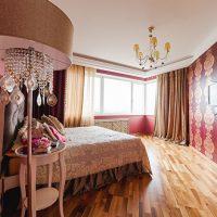 Concevez une chambre moderne avec deux types de papier peint