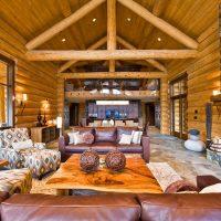 Concevoir un salon dans une maison en rondins