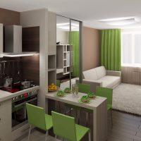 Rideaux verts dans un studio