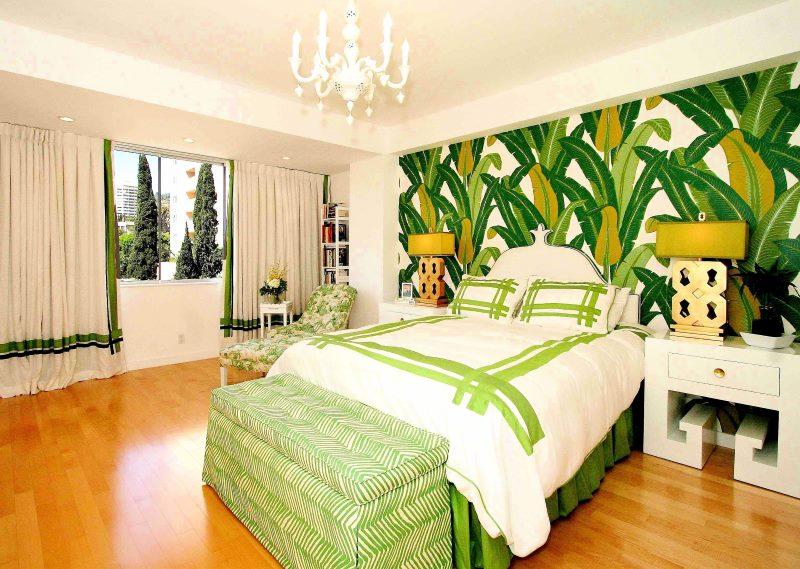 Papiers peints à grandes feuilles à l'intérieur de la chambre