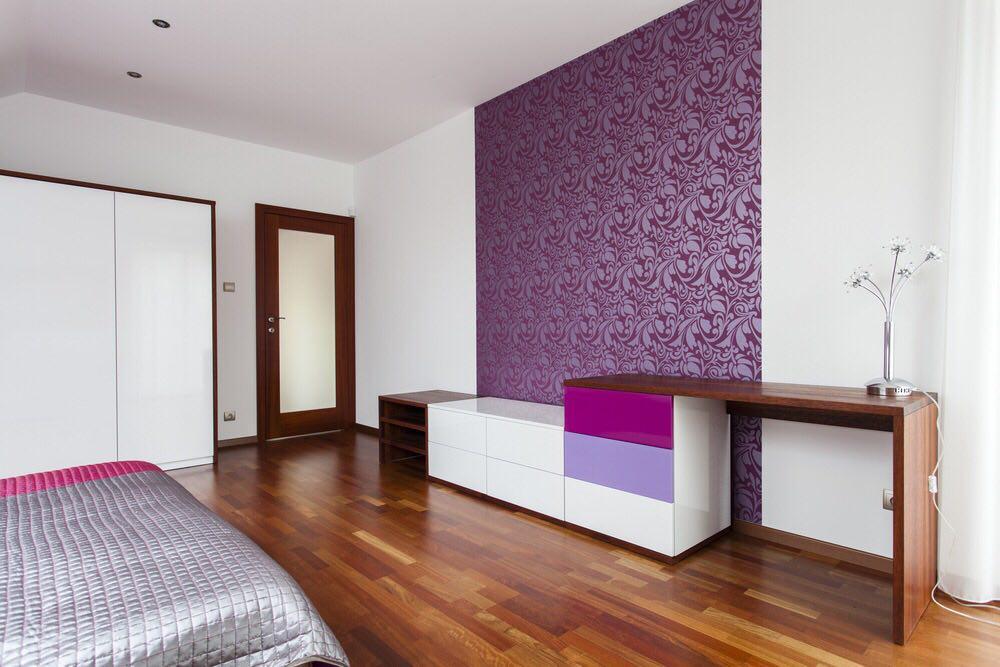Zonage d'une chambre avec papier peint