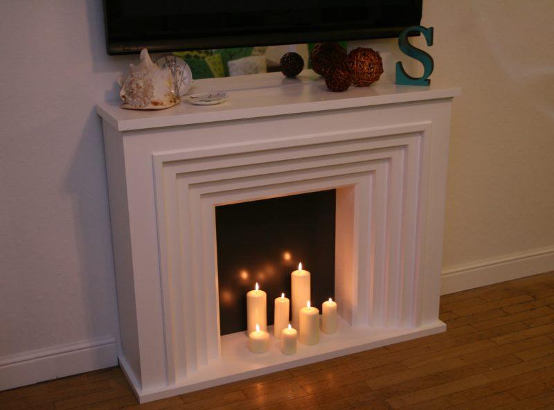 Cheminée de bricolage avec bougies en paraffine