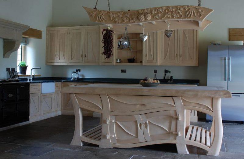 Intérieur de cuisine avec des meubles en bois