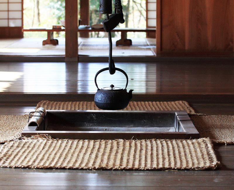 Paklājs japāņu stila interjerā