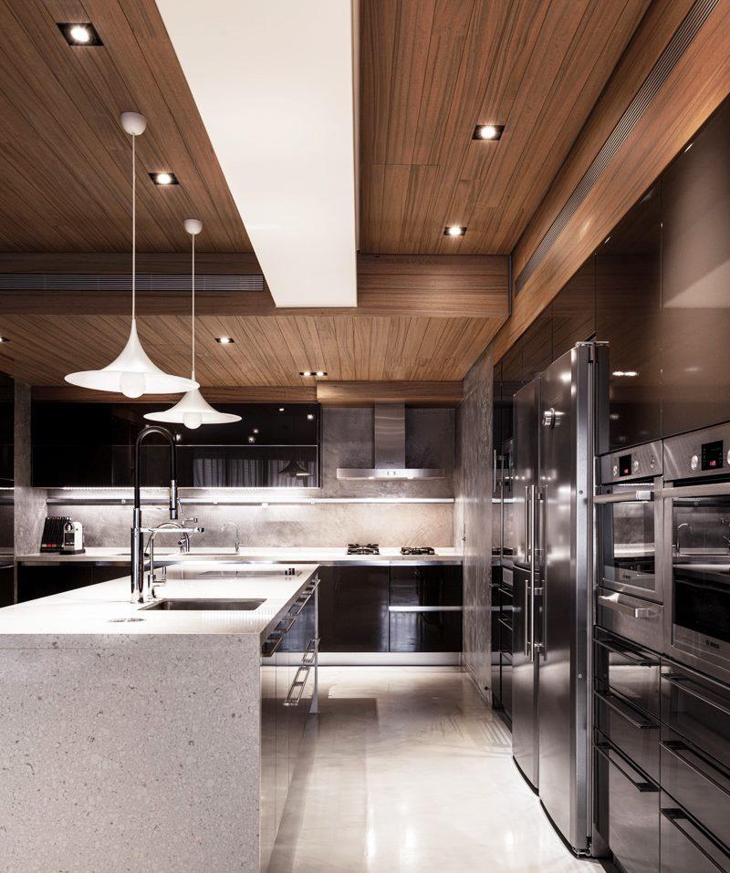 Plafond de cuisine lambrissé