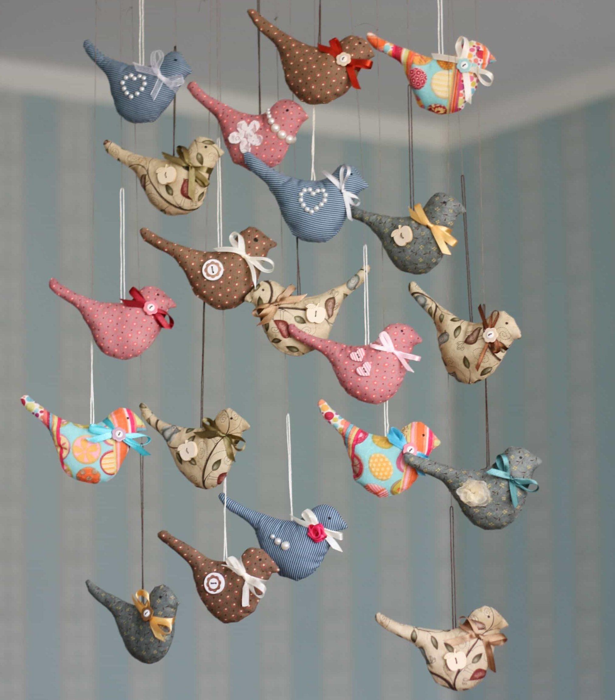 Oiseaux textiles à faire soi-même à partir de lambeaux colorés