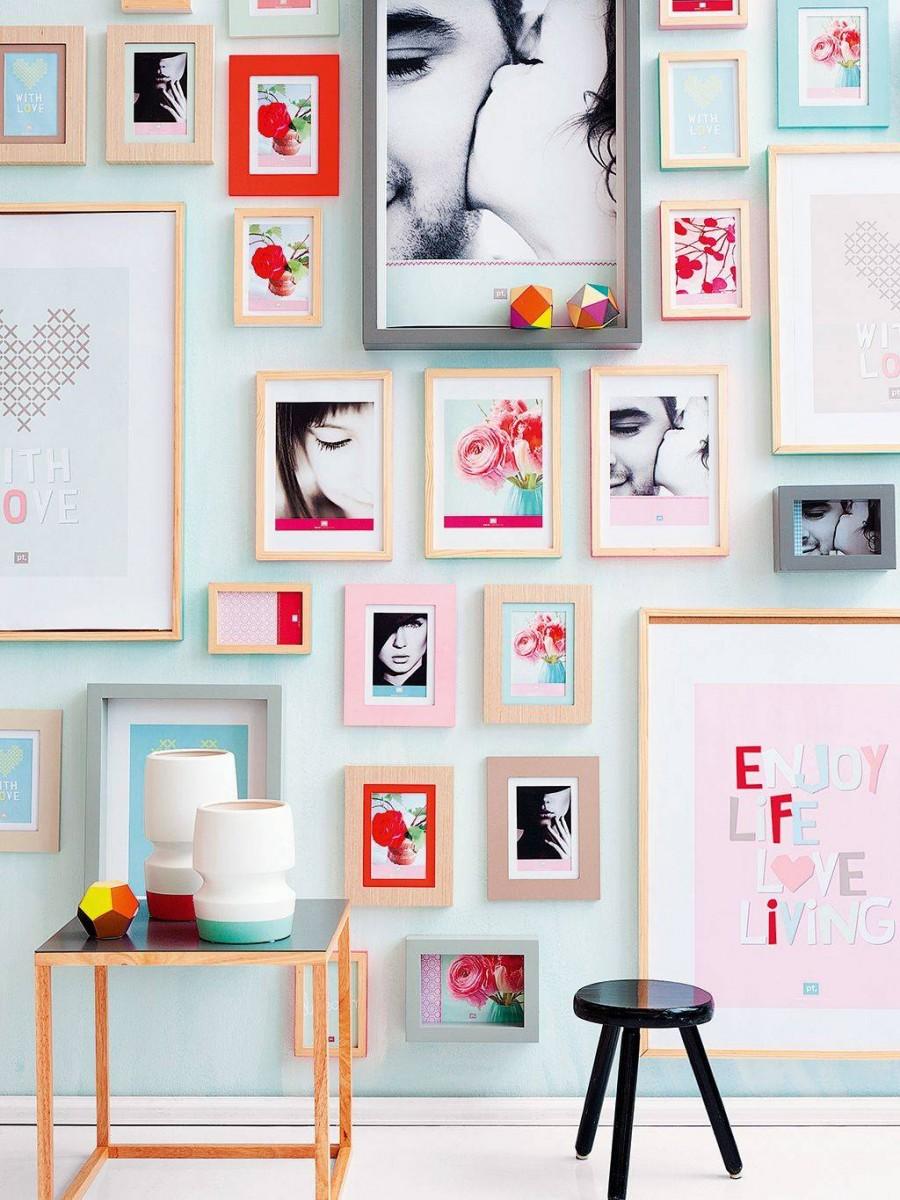 Krāsains sienas rotājums ar fotogrāfijām