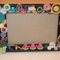Interjera dekorēšanai tiek izmantotas dažādas pogas