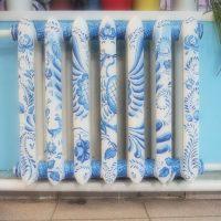 Painting of a heating radiator under Khokhloma