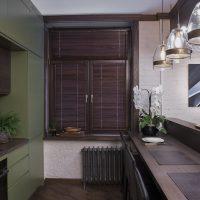 Rideaux de bambou sur la fenêtre de la cuisine