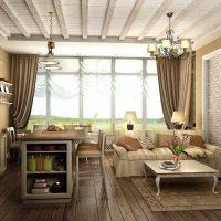 Fenêtre panoramique avec rideaux marron
