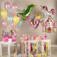 Cadeaux pour enfants avec des ballons