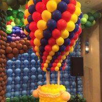 L'idée de décorer la salle pour l'anniversaire du fils