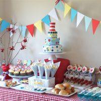 Réglage de la table pour l'anniversaire d'un enfant