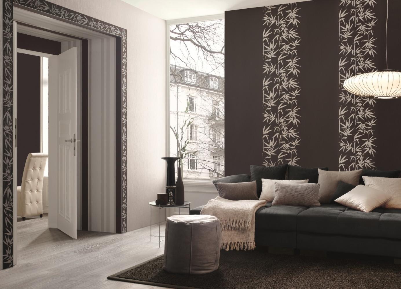 Кафяв тапет в дизайна на залата