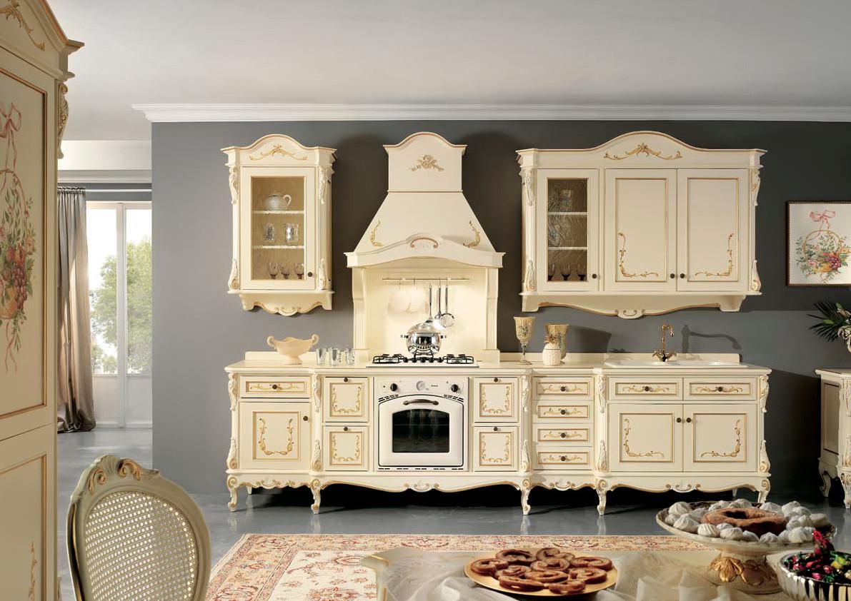 Elément de cuisine baroque en bois naturel