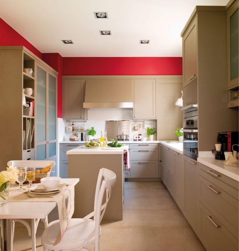 Conception d'une cuisine-salon de 18 places avec une île