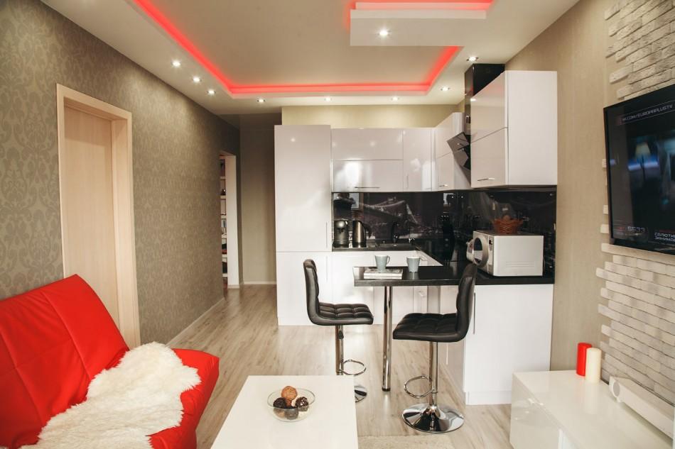 Conception d'un salon-cuisine avec un petit comptoir