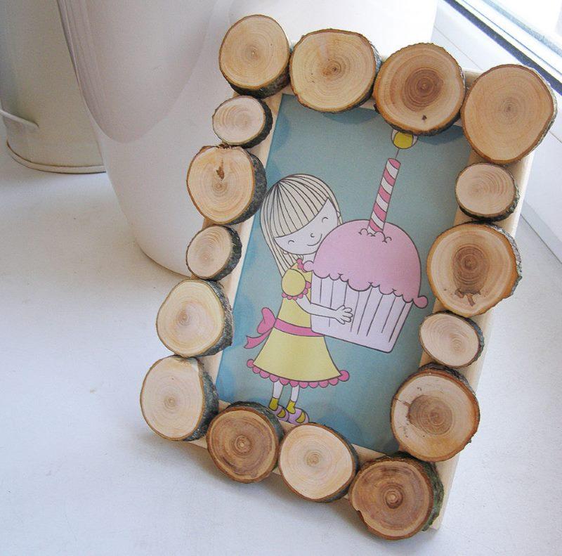 DIY koka rāmja dekors