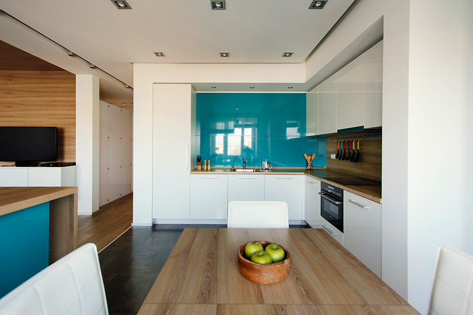 Tablier de cuisine bleu brillant
