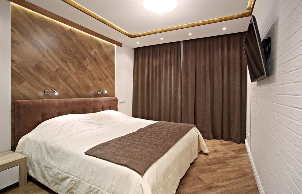 Chambre moderne avec rideaux marron