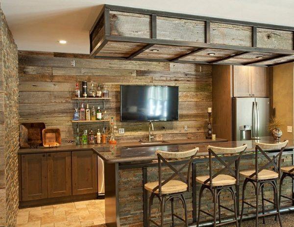 Pour le zonage, l'espace est situé au centre de la cuisine et se divise en une salle à manger et un espace de travail