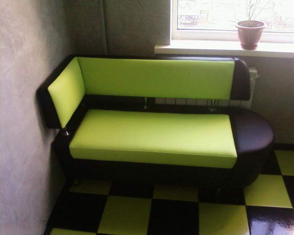 canapé d'angle pour une petite cuisine